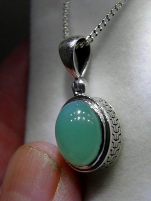 Chrysoprase pendant