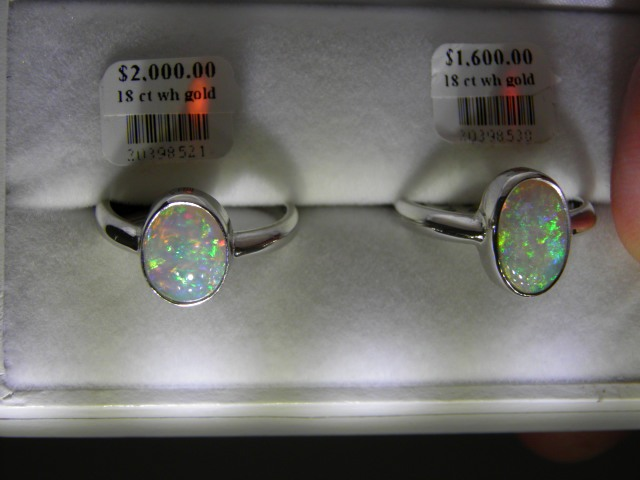 OPAL SOLIDS White gold rings