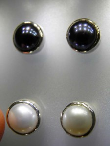 Close up FRESHWATER PEARLS in sterling silver Code 20220617